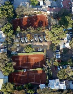 ctrl click to see the courts from above